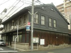 ueda_zentai.jpg